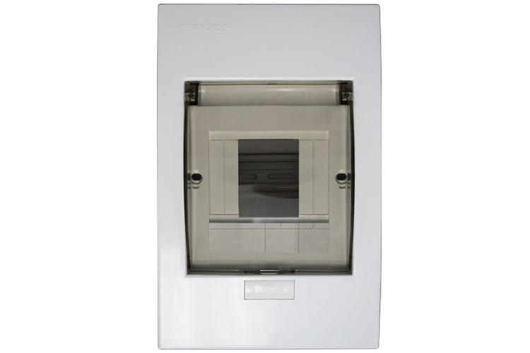 Tủ điện mặt nhựa đế kim loại 4-8 đường Panasonic NDP108